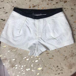 Tribal pleated shorts